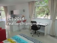 Modern bright corner condo for rent in Chiang Mai